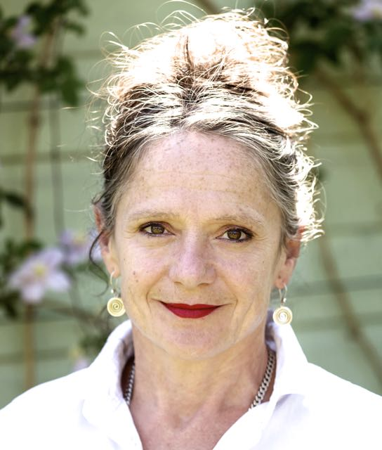Bethan Dixon Bate - award-winning voiceover artist