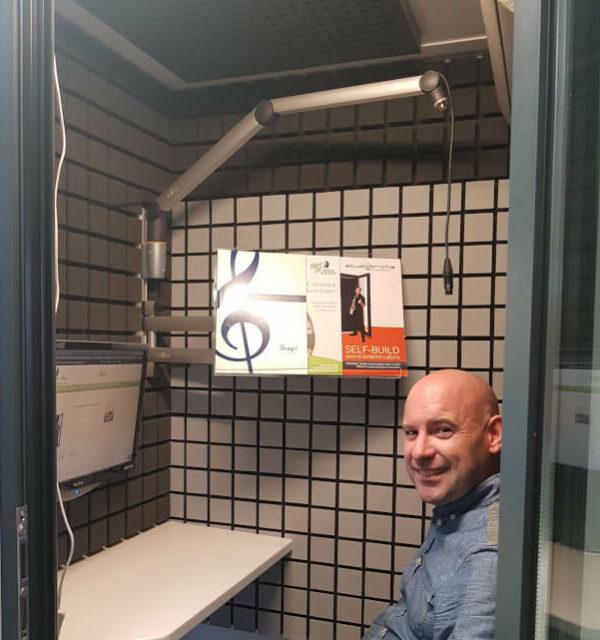 Nik in Studiobricks booth with VO kit